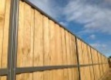 Kwikfynd Lap and Cap Timber Fencing airly